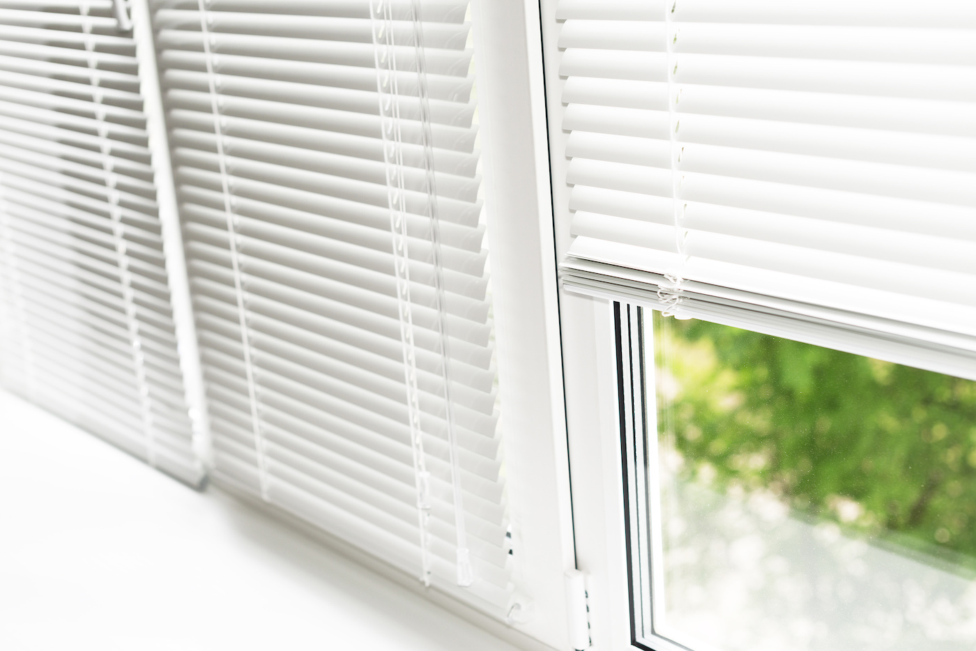 venetian blinds cleaning and polish